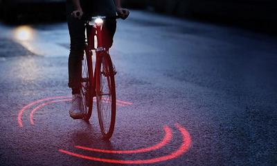 Εταιρεία ελαστικών έφτιαξε ένα φωτεινό σύστημα προστασίας για τους ποδηλάτες που θα σώσει ζωές (vid)