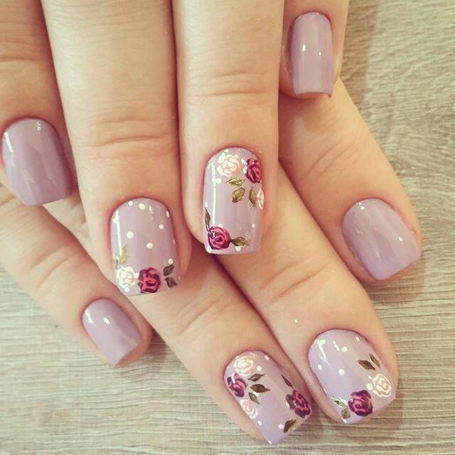 Floral nail arts design