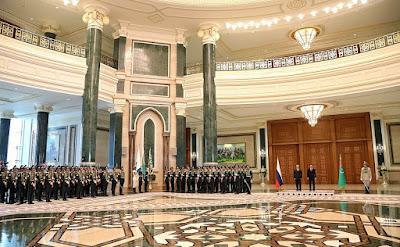The official meeting ceremony. Vladimir Putin with President of Turkmenistan Gurbanguly Berdimuhamedov.