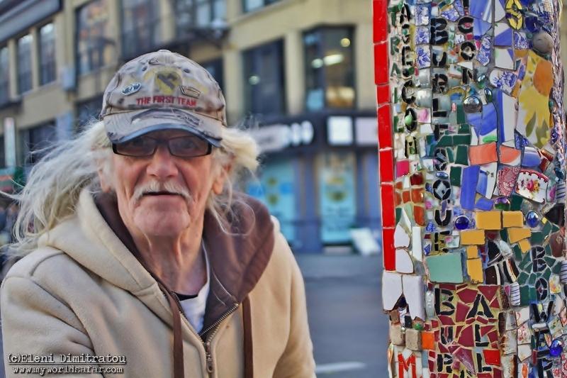 Καλλιτέχνης ψηφιδωτών στη Νέα Υόρκη