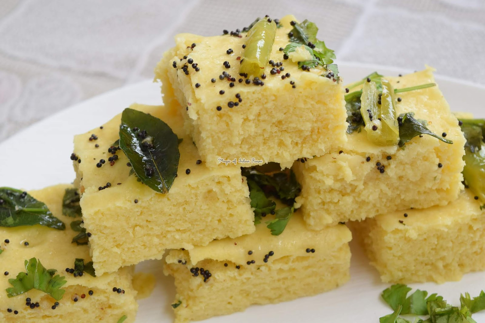 Instant Khaman Dhokla -  Nylon Khaman Recipe  - Gujarati Rasawala Khaman - Priya R - Magic of Indian Rasoi