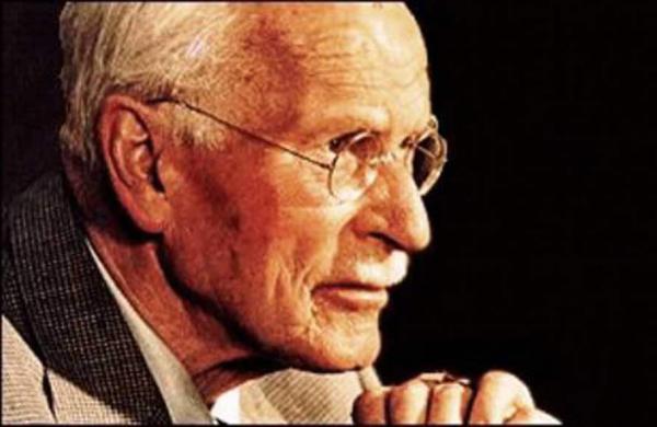 frases de Carl Jung sobre cómo vivir con poder