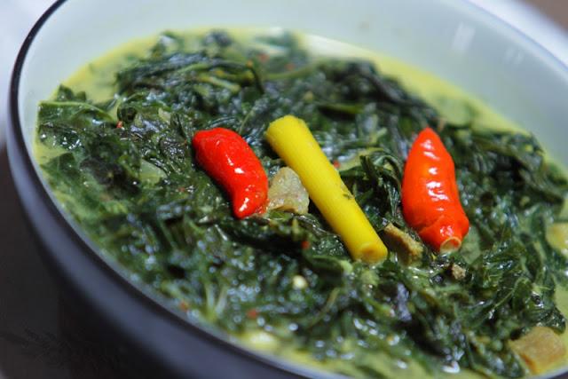 Cara memasak gulai daun singkong santan lezat