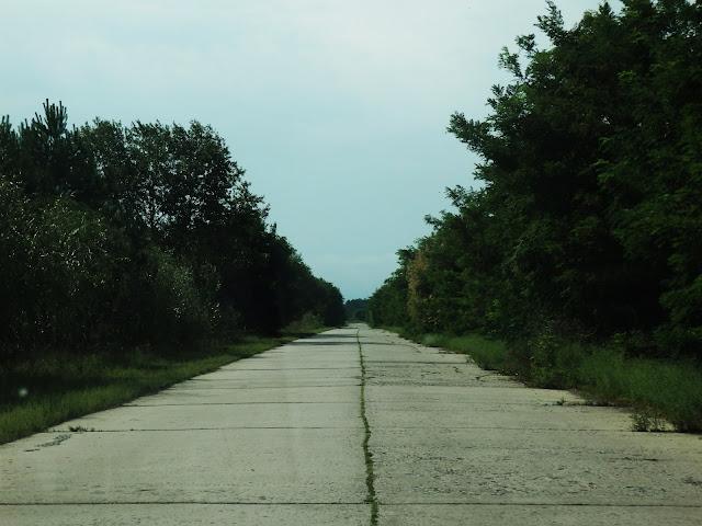 Do Orbity prowadzi płytowa droga