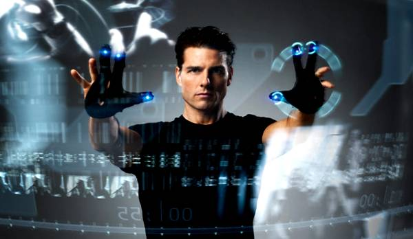 "El actor Tom Cruise en la pelicula ""Minority Report"". Pantalla Interactiva de localización"