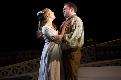 ETO: Tosca - Laura Mitchell, Alexander James Edwards (photo Richard Hubert Smith)