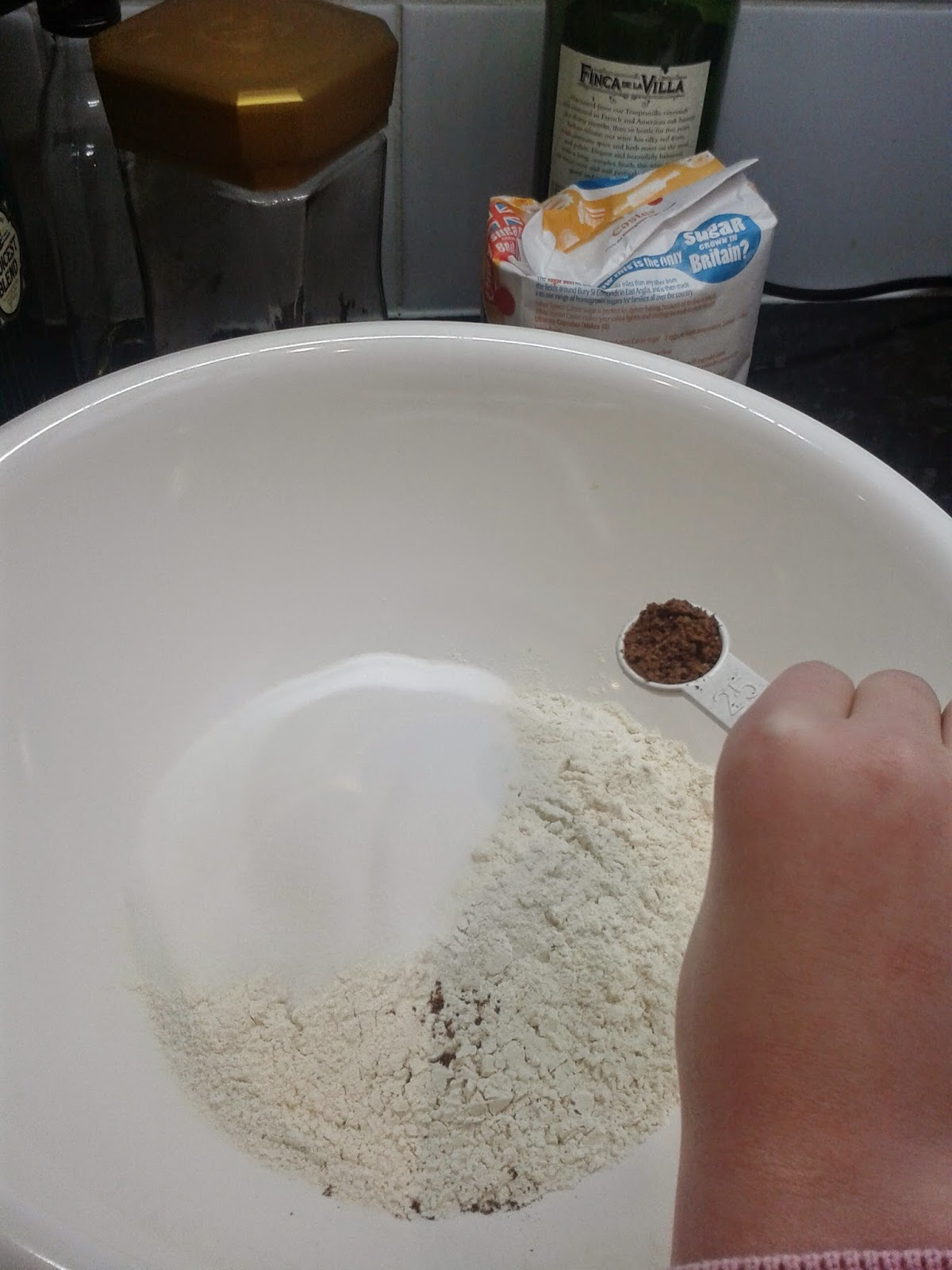 Welsh cakes recipe - adding the spice to the flour and sugar