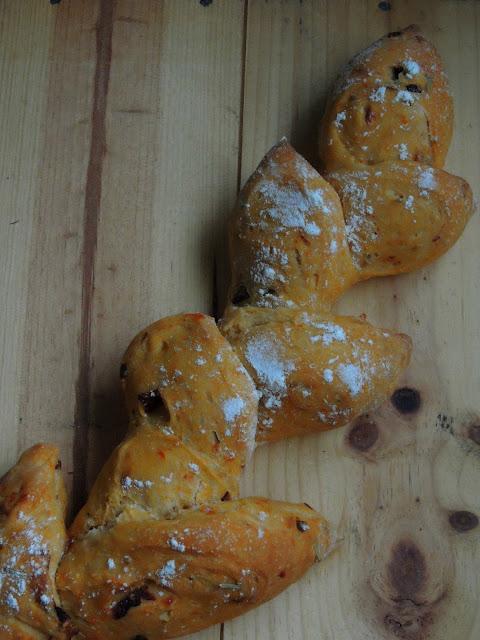 Pumpkin Wheat Stalk Bread