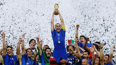 Pemain Italia merayakan gelar Piala Dunia tahun 2010
