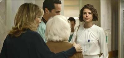 Josiane (Agatha Moreira) brigará com a família do amante para entrar primeiro no quarto
