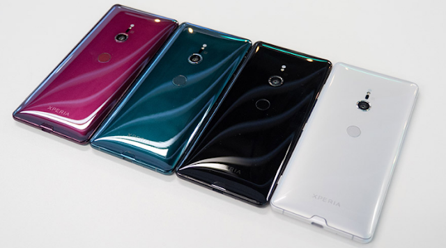 Beast Sony Xperia XZ4 case compared to the size of a Xperia XZ Premium