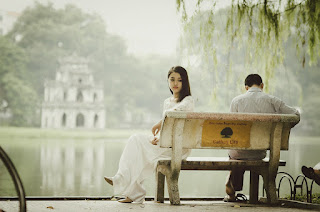 Manipulation und Erpressung in Beziehungen kann zu Streit und Trennung führen.