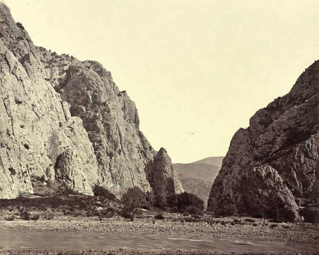 Demir Kapi view from inside the gorge October 1863 - Macedonia in 1863 - Photo Collection of Josef Székely