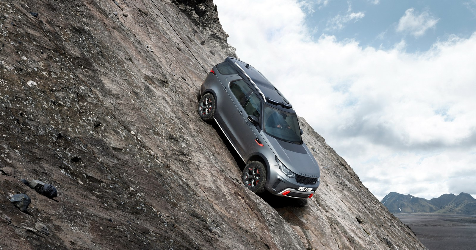 2016 - [Land Rover] Discovery V - Page 6 Land-Rover-Discovery-SVX-3