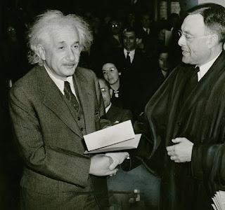 अल्बर्ट आइंस्टीन से जुड़े रोचक व् महत्वपूर्ण तथ्य