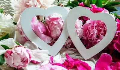 Wallpaper Lucu dan Imut Love Pink