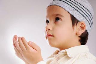 Lafadz Bacaan Doa Anak Sholeh Untuk Kedua Orang Tua Lengkap Arab, Latin dan Artinya