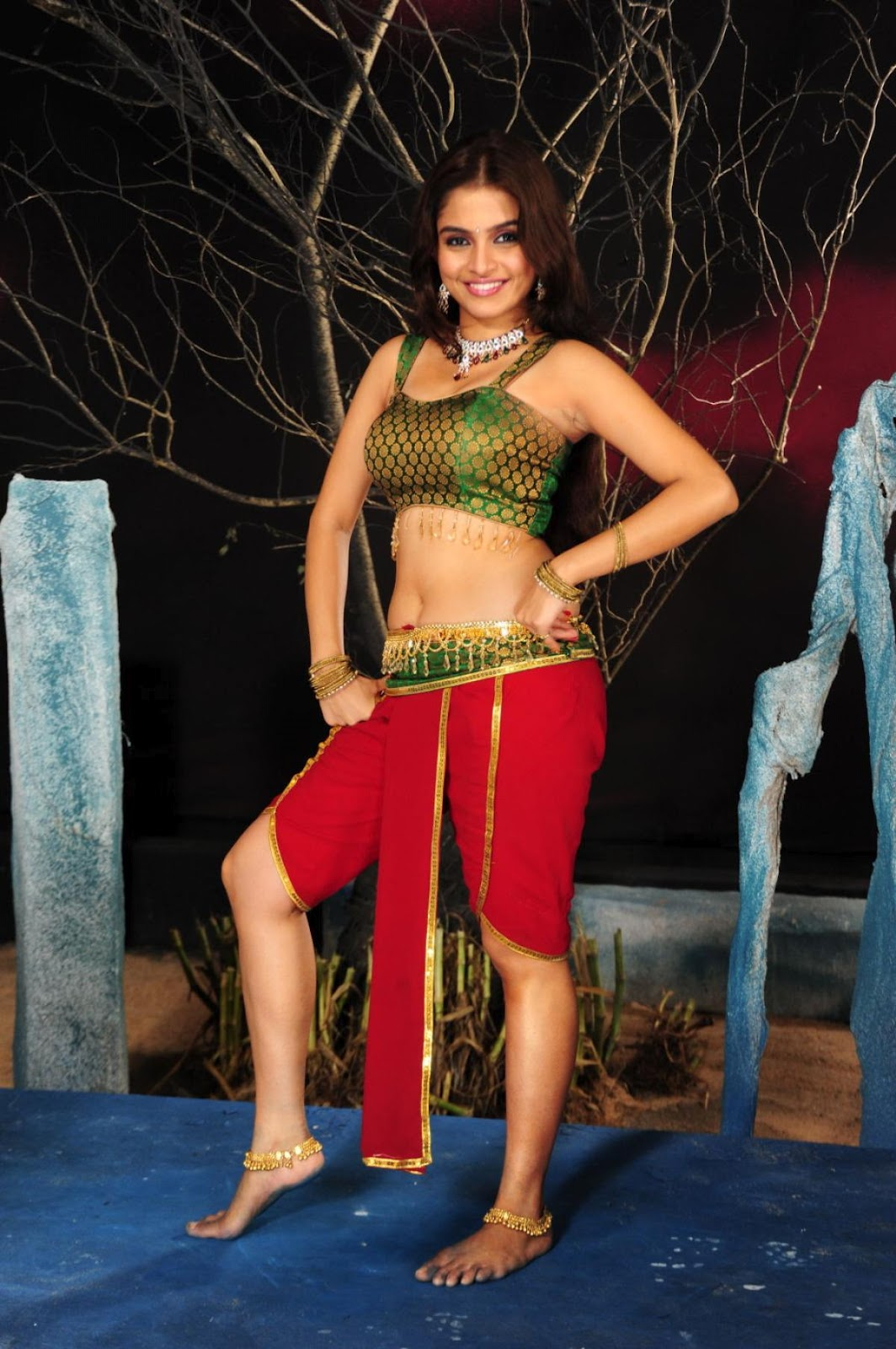 Sheena Shahabadi Latest Hot Pics