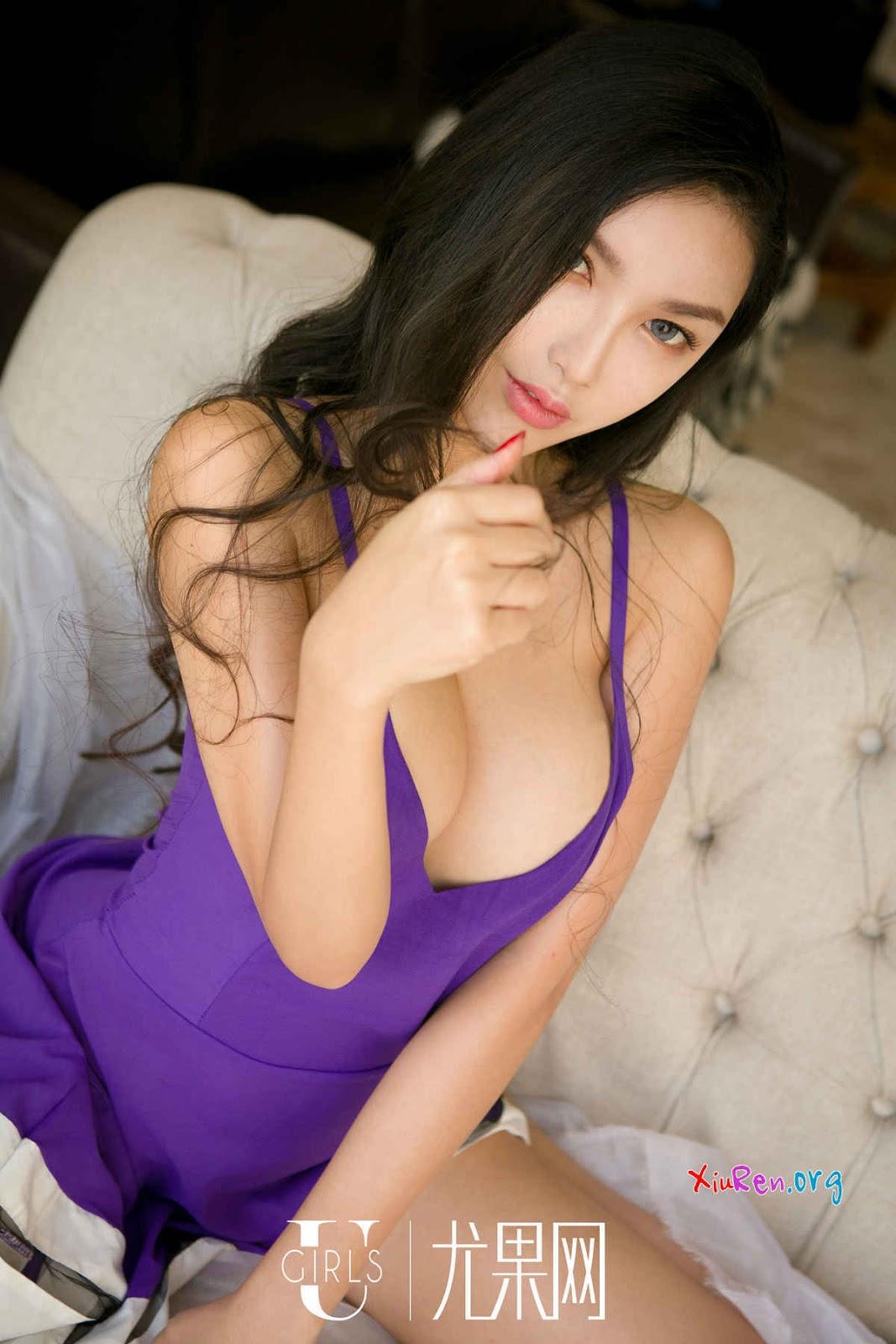 Gái đẹp china quyến rũ khoe ngực khủng cực chất