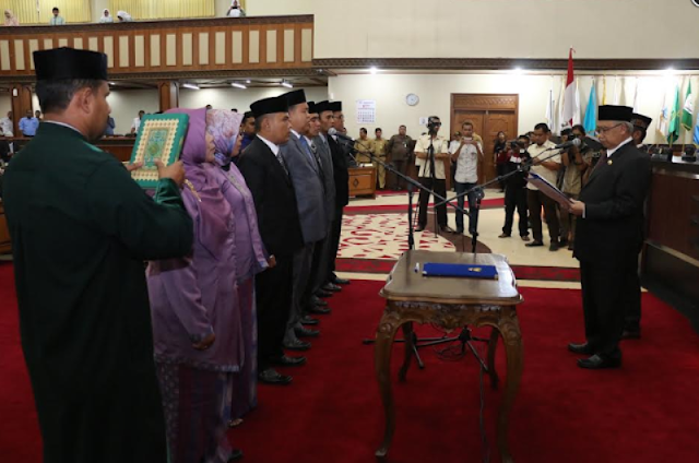 Gubernur Zaini lantik komisioner KKR Aceh