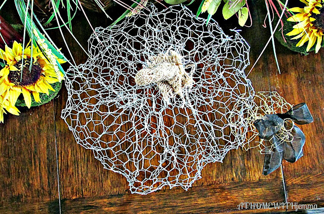 At Home With Jemma-pumpkin-fall-diy-chicken wire-decorating