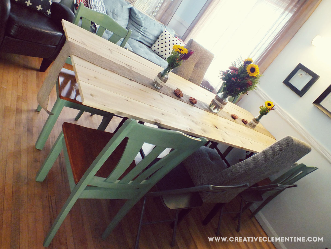 DIY wall-mounted table top. Great for holidays! via creativeclementine.com