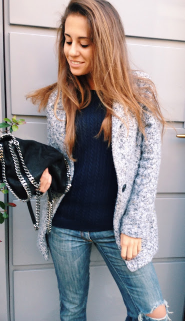 valentina rago fasion need, fashion blogger outfit fall, fashion blogger italia, all star borchiate e boyfriend jeans, boyfriend jeans mania, jeans, cappotto grigio, fashion blogger outfit inspiration
