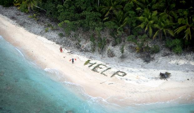 Tentera Laut AS Nampak Tulisan 'HELP' Di Pantai, Tiga Lelaki Diselamatkan