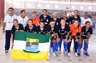 Resultado de imagem para foto da seleção de futsal feminina de Carnaubais campeã do brasil