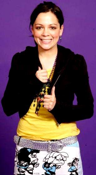 Foto de Natalia Lafourcade con bella sonrisa