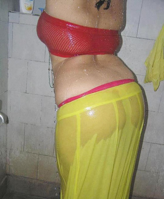 Indian Aunty Saree Open