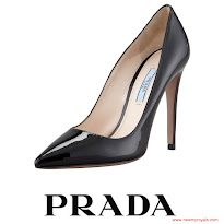Queen Letizia Style PRADA Pumps and HUGO BOSS Skirt and HUGO BOSS Blouse