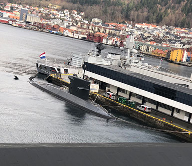 Now, that actually is a submarine in Bergen harbor (Source: Palmia Observatory)