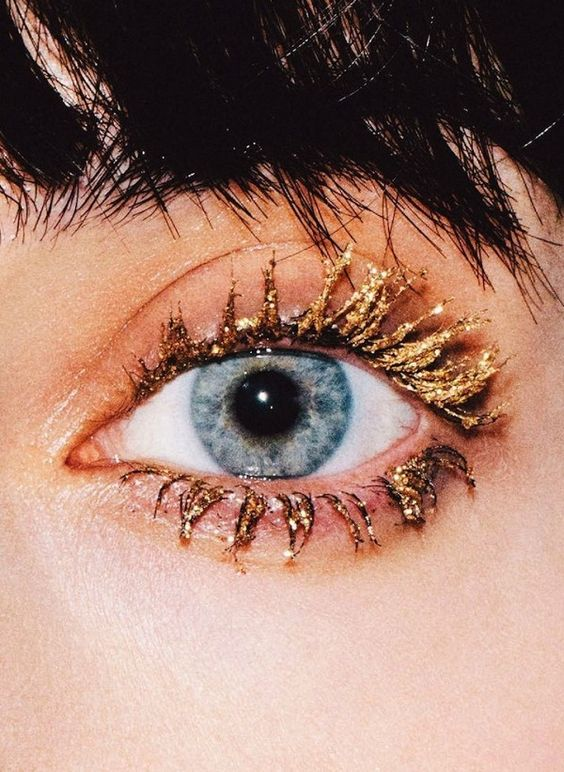 4 Statement Gold Eye Looks To Try Now