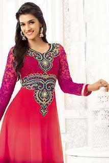 Kriti Sanon Bollywood Actress Biography, Cute Smile HD Photos