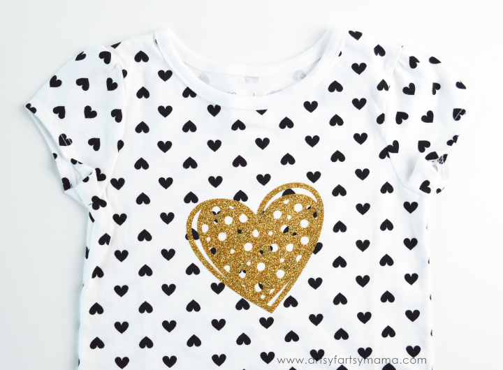 DIY Sparkly Heart Baby Tee from artsyfartsymama.com