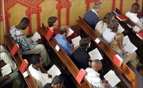 Cristianos de Marruecos en iglesia