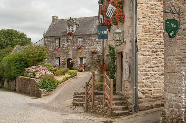 Locronan viaje Bretaña pueblos bonitos Francia
