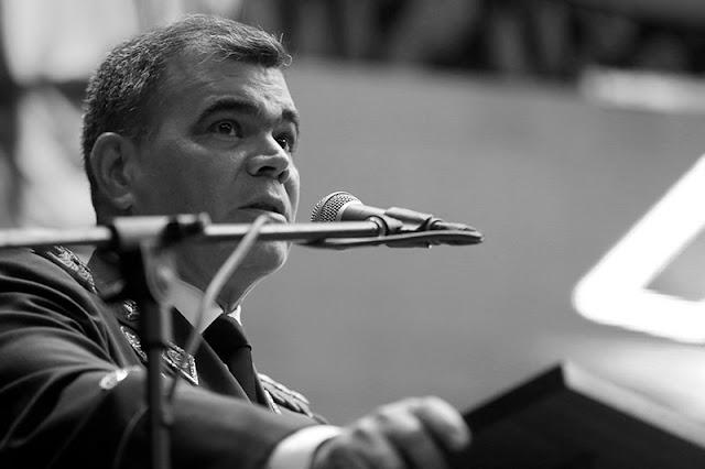 """¡SACARÁ RONCHA! El mensaje de militares retirados a Padrino López: """"Vea a sus sargentos que pasan trabajo"""""""