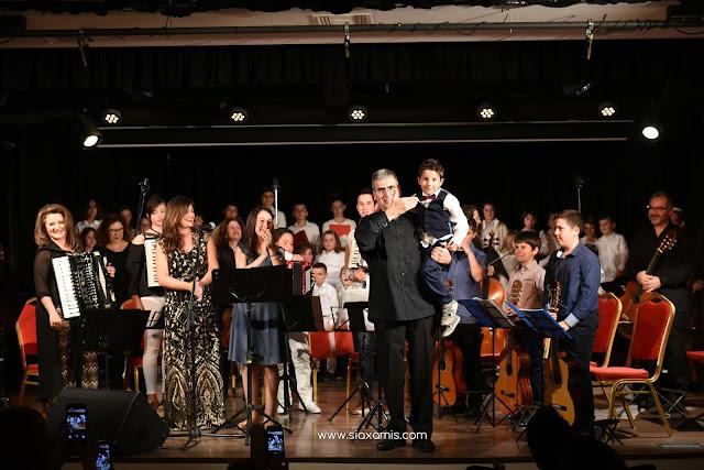 ¨Μια αγκαλιά τραγούδια ¨ με την ¨Sinfonietta Αθηνών ¨ στο Άργος