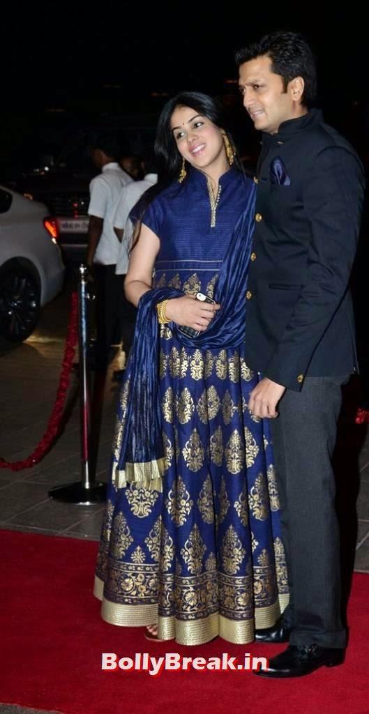 Genelia Pictures, Pregnant Actress Genelia Latest Pics in Blue Dress