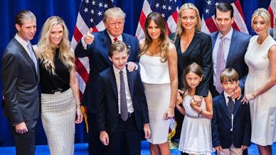 Berita-Unik-Donald-Trump-Bersama-Keluarga-Dan-Cucunya