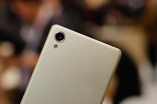 Camera-Sony-Xperia-X