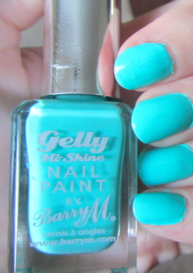 A picture of Gelly nail varnish in Greenberry applied to nails
