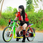 Foto Model Drag Cantik