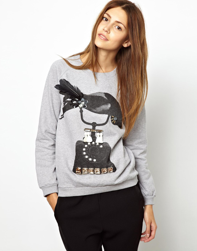 Sweatshirt with Feather and Beaded Crow Print