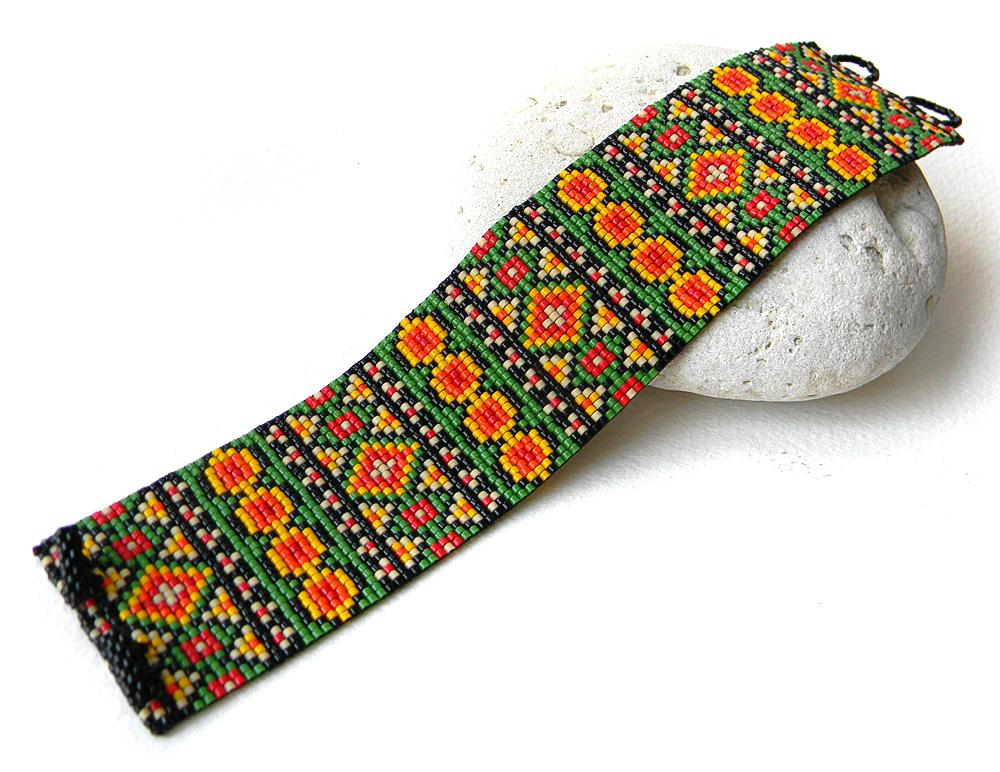 Браслет из бисера - украшения в этническом стиле