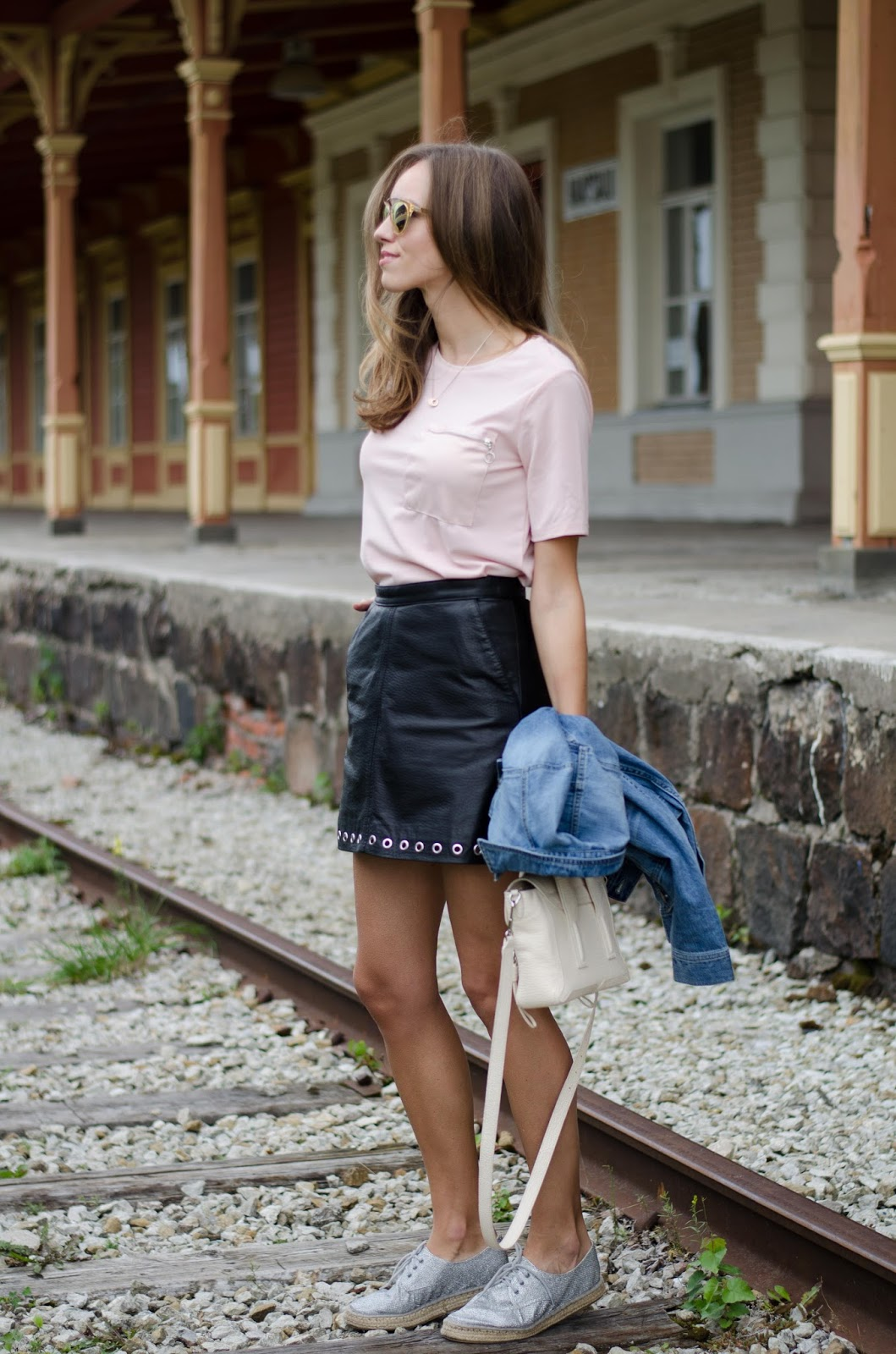 summer fashion black leather skirt