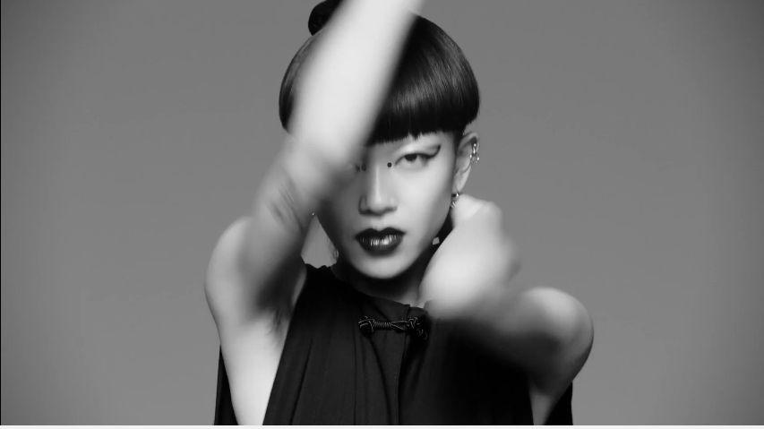 Ballerine Shiseido pubblicità Ultimune profumo con ballerine giapponesi con Foto - Aprile 2017