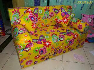 Sofa bed inoac 2016 motif kupu kuning / butterfly